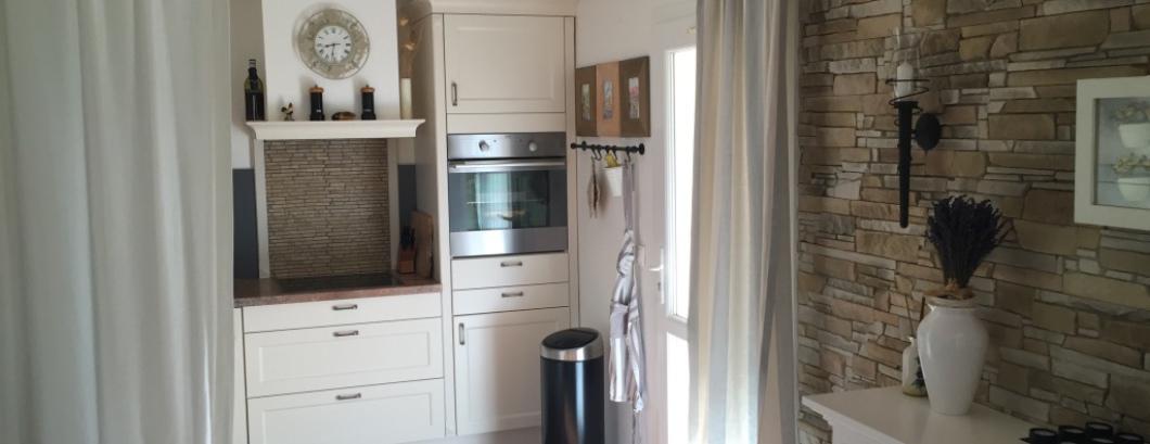 Blick zur Küche im Chalet-Becky