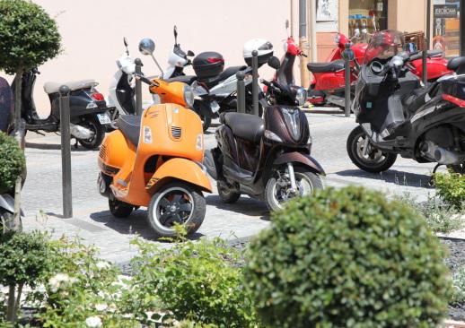 Motorroller in Port Grimaud